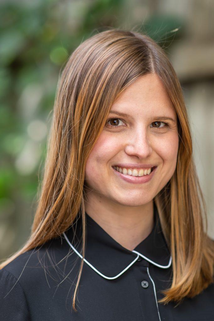 Emily Gervais - agente de développement, partenariats et action sociopolitique au sein de l'Association canadienne pour la santé mentale - Filiale de Montréal.